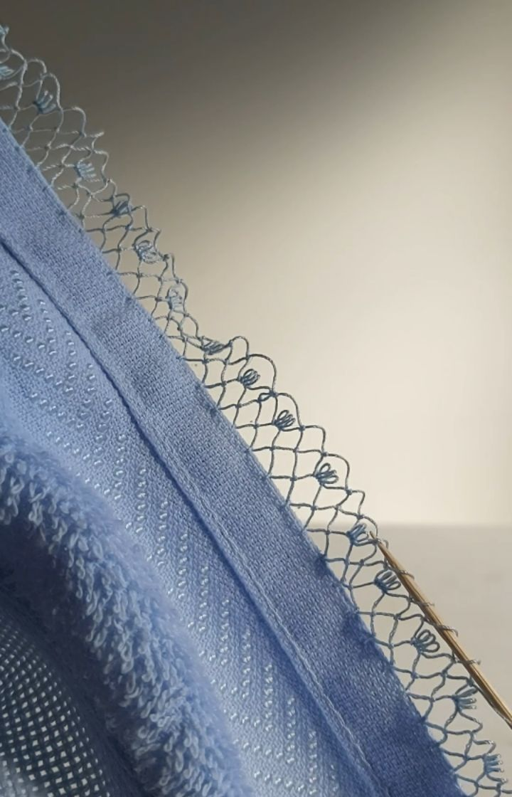 Turkish Lace Beak Mercer Line 40 Coats